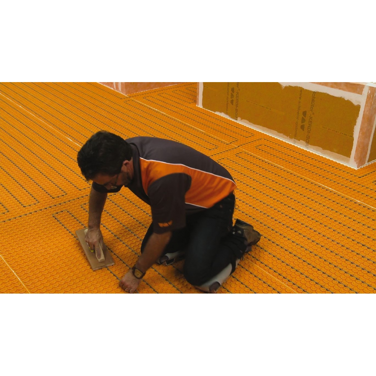 Kit de suelo radiante con termostato táctil con aislamiento bajo lámina y wifi Suelo radiante eléctrico
