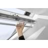 Acccionamiento manual ventana giratoria VELUX