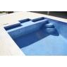 Detalle piscina con revestimiento Gresite colores niebla en azul