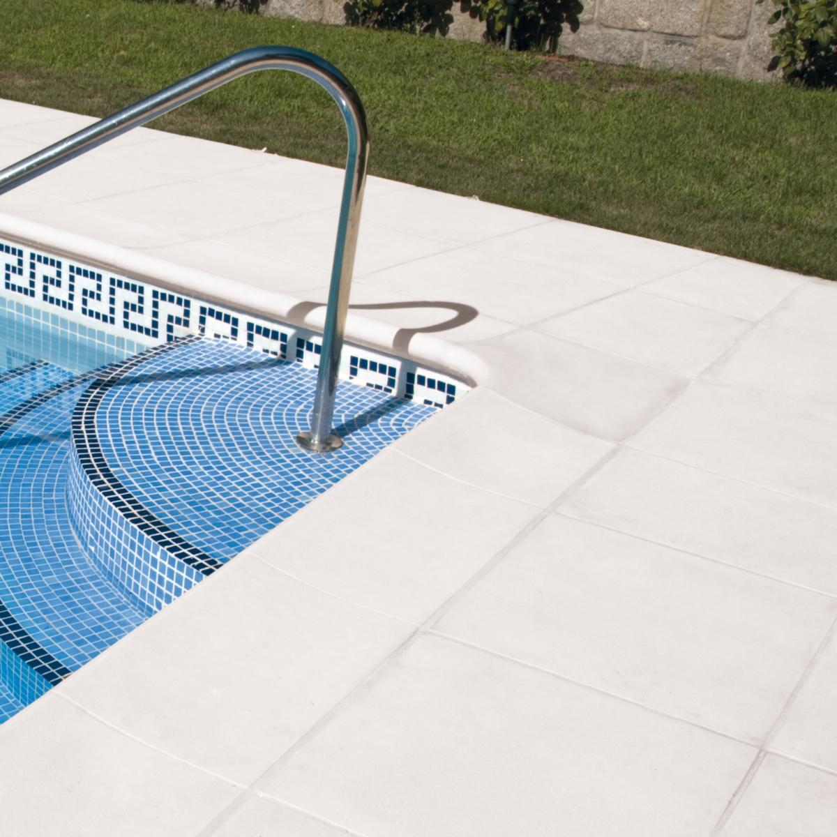 Borde de piscina Cañaveral