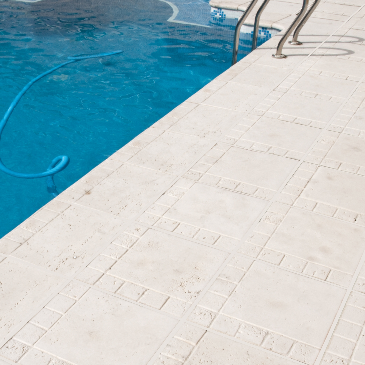 Borde de piscina Trena - Bordes de piscina - Marca Verniprens