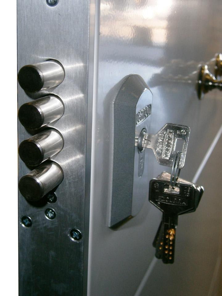 Puerta acorazada alc zar doble hoja - Puertas de chapa galvanizada precios ...